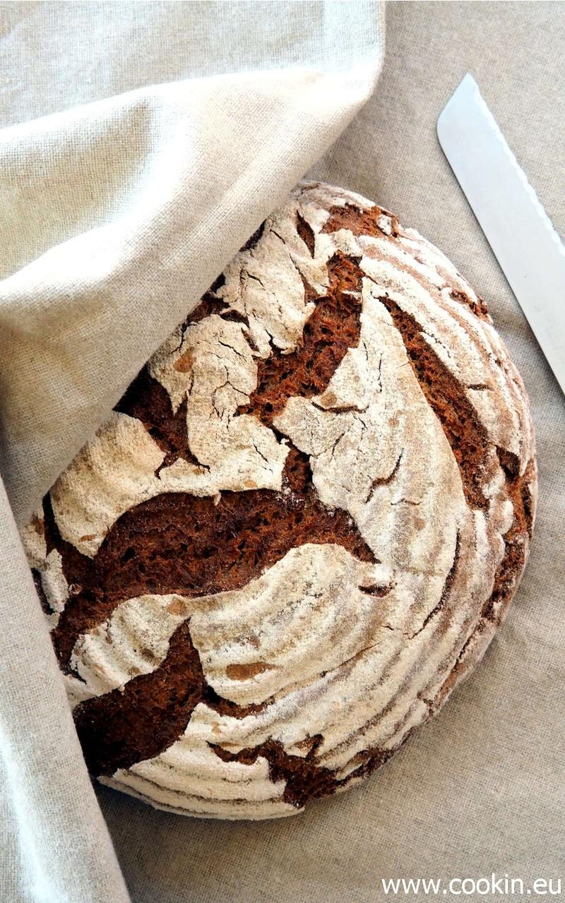 Rezept Roggenmischbrot mit Altbrot-Quellstück und Alpenroggen
