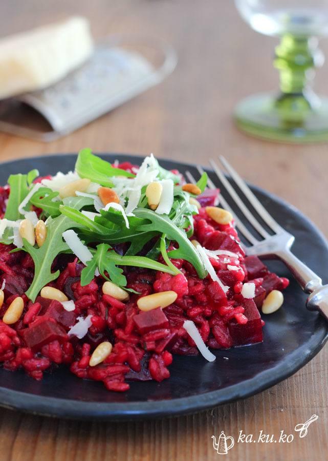 Rezept Rote-Beete Risotto mit Rucola, Ziegenkäse und Pinienkernen