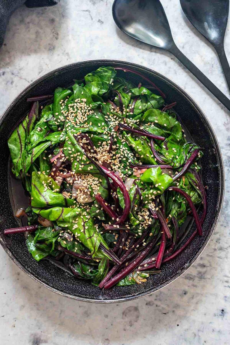 Rezept Rote Bete Blätter aus dem Wok (asiatische Art)