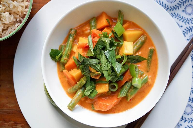 Rezept Rotes Thai Curry mit Mango und süßen Kartoffeln