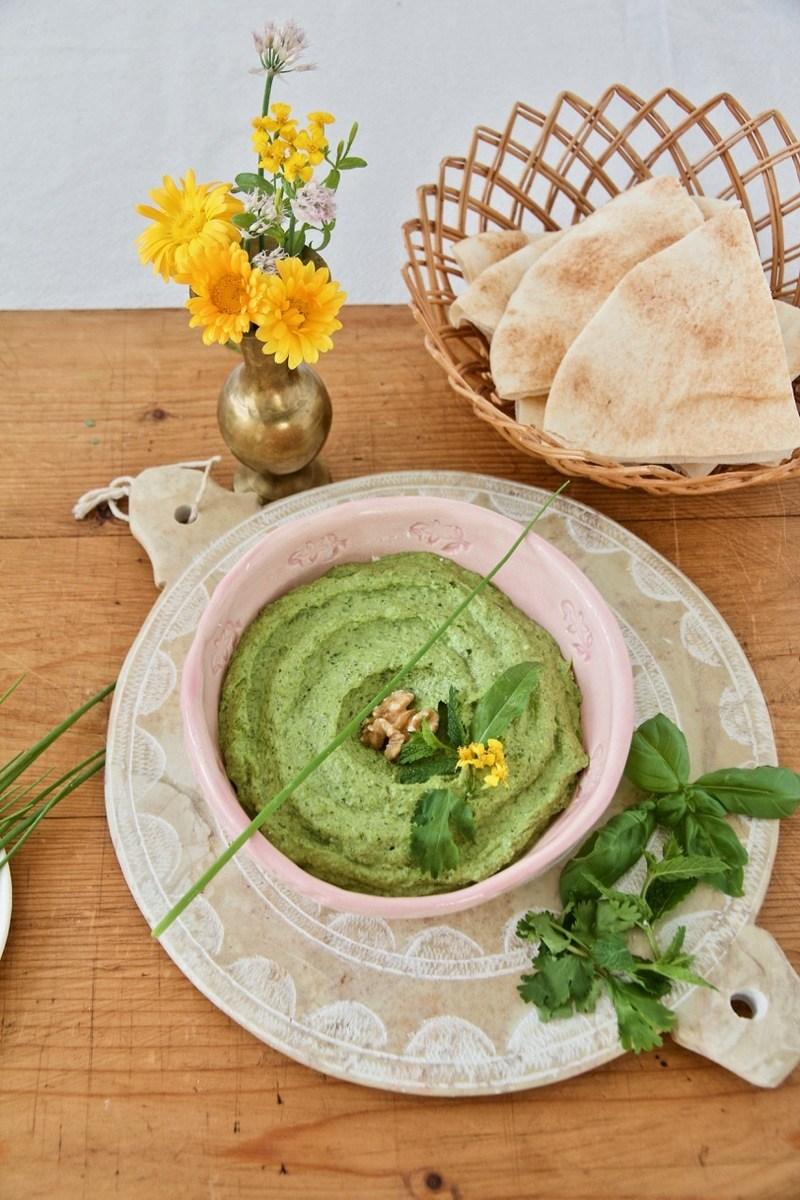 Rezept Sabzi Khordan Dip - Kräuter-Feta-Dip mit Walnüssen