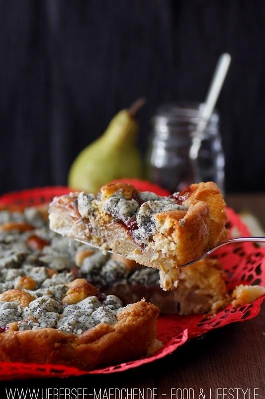 Rezept Saftiger Birnenkuchen mit Mohnstreuseln und Preiselbeeren