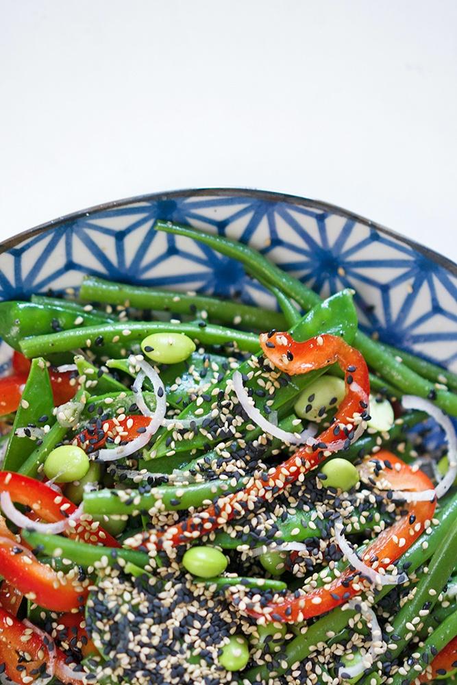 Rezept Salat mit grünen Bohnen, Zuckerschoten, Edamame und Sesam