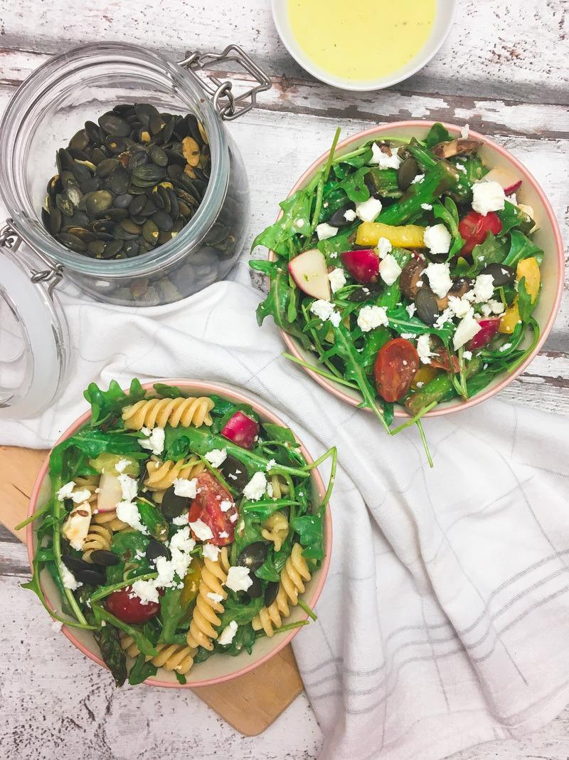 Rezept Salat von grünem Spargel mit geschmolzenen Tomaten
