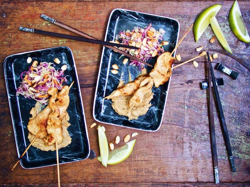 Rezept Saté-Spieße mit Erdnusssauce und Asia-Coleslaw