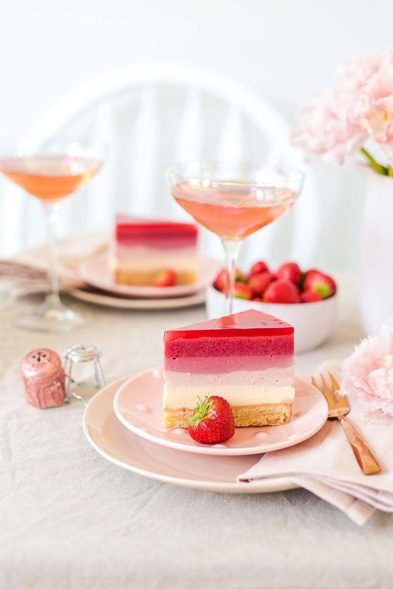 Rezept Schichttorte mit Erdbeeren und Rosé Sekt Gelee