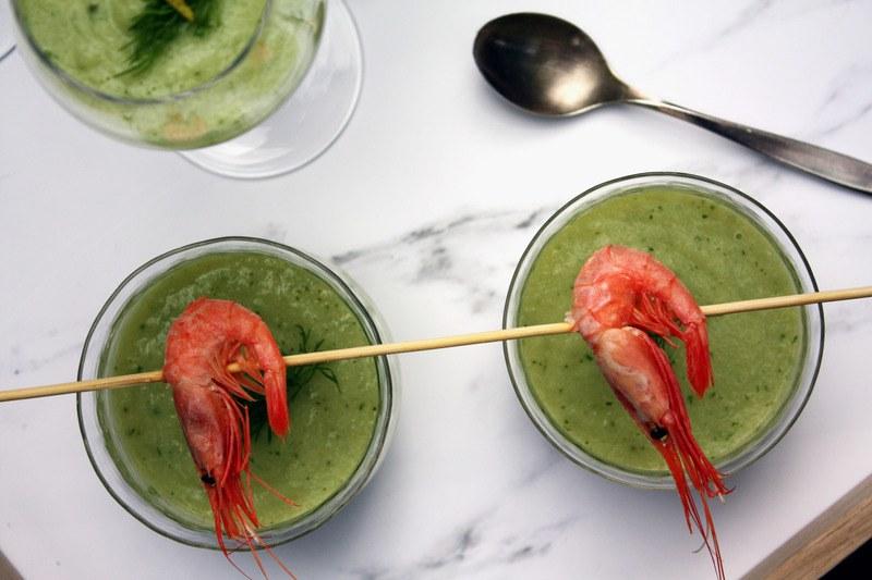 Rezept Schnelle Avocado-Gurken-Suppe mit Knoblauchöl