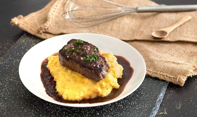 Rezept Schnelle Polenta mit Rindersteak und Rotweinsauce