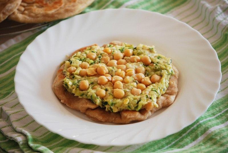 Rezept Schnelle Zucchini-Kichererbsen-Pizza (aus der Pfanne)