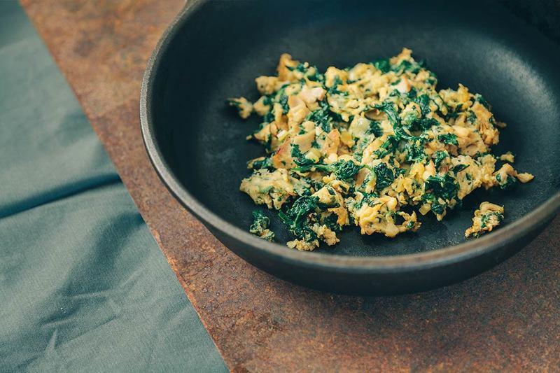 Rezept Schnelles Frühstücksrezept: Grünes Rührei mit Schinken, Käse und Spinat