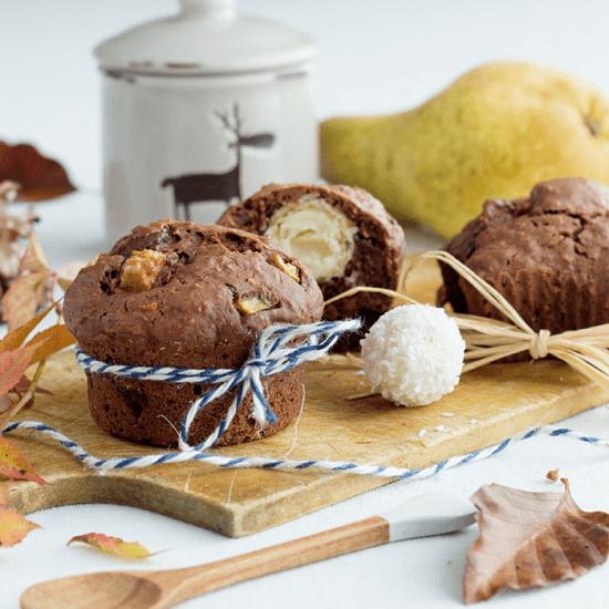 Rezept Schoko-Muffins mit Birnen & Raffaello-Kern