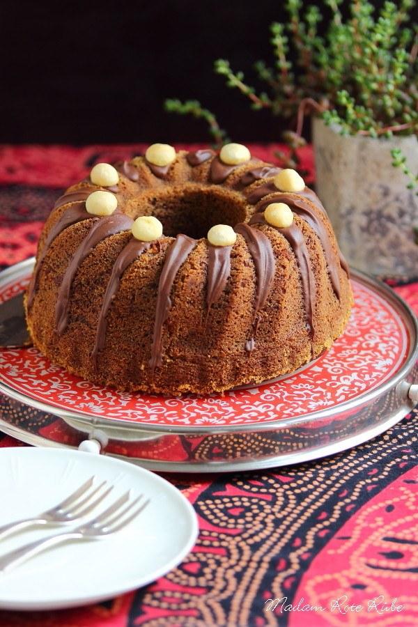Rezept Schokoladiger Bananen-Bundkuchen mit Macadamianüsse