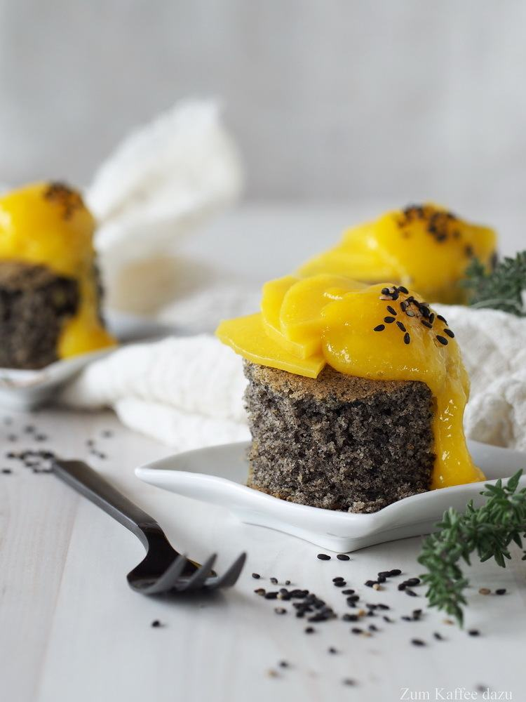 Rezept Schwarzer Sesamkuchen mit Mango