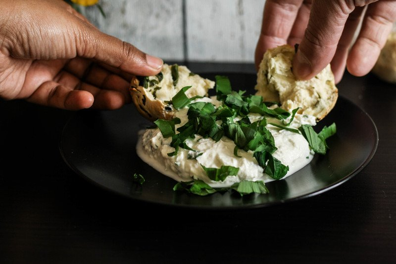 Rezept Selbst gemachter Ziegenfrischkäse mit Bärlauch