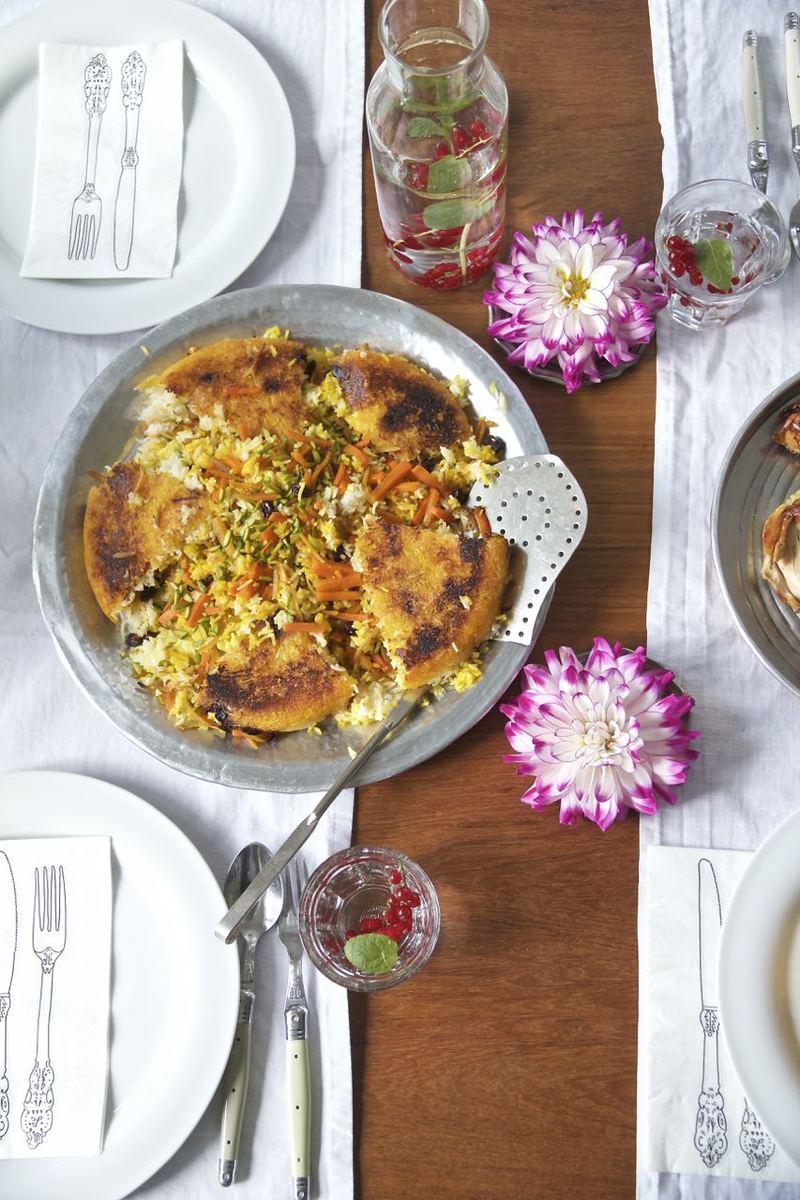 Rezept Shirin Polo ba Morgh - Basmati-Reis mit karamellisierten Pomeranzen und in Safran geschmorte Hühnerkeulen