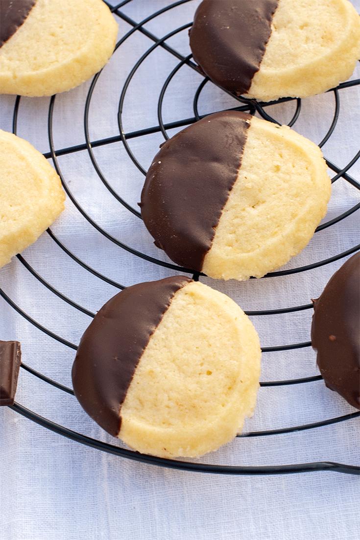 Rezept Shortbread-Cookies mit Schokoglasur