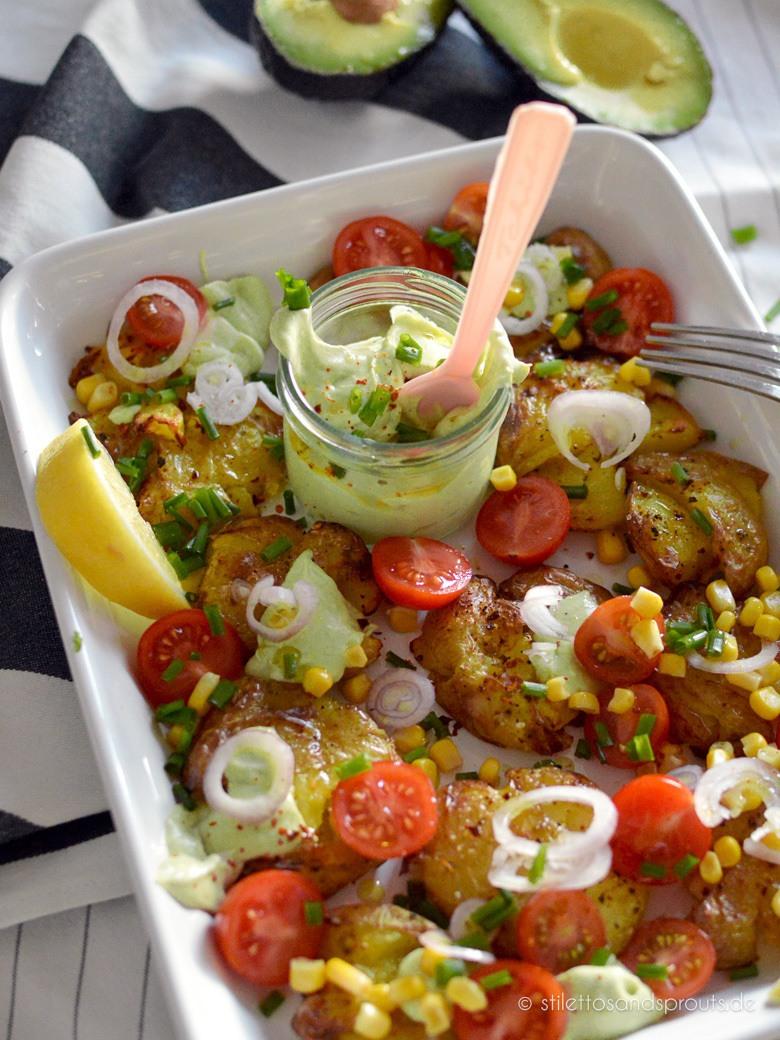 Rezept Smashed Potato Salad mit Avocado-Dressing