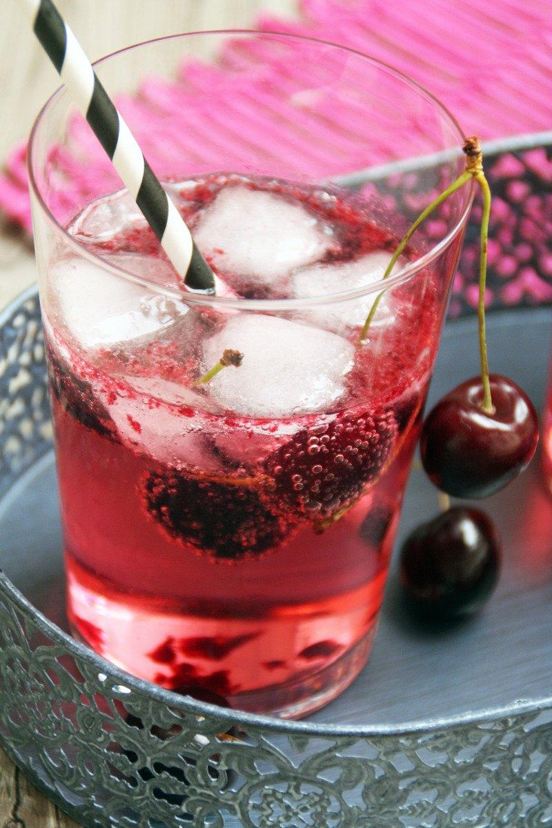 Rezept Sommer-Gin-Tonic mit Kirsche