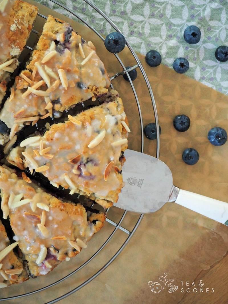 Rezept Sommerlich fruchtige Scones mit Blaubeeren und Kokosmilch backen