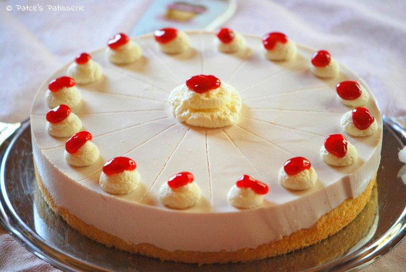 Rezept Sommerliche Johannisbeer-Torte mit Creme de Cassis