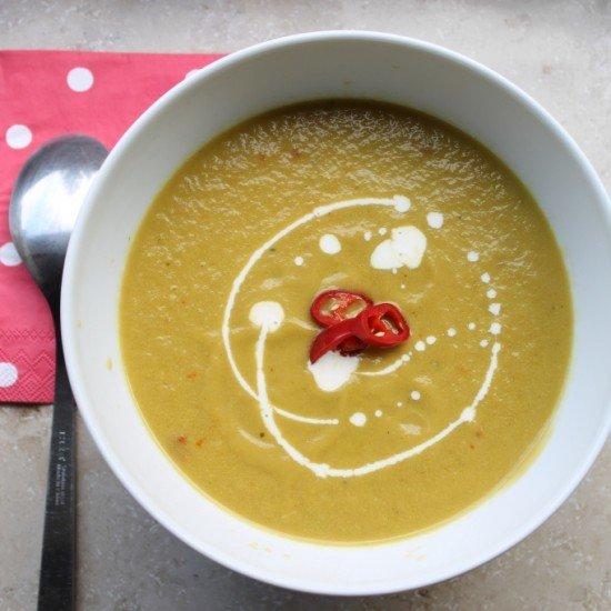 Rezept Sommerliche Paprika-Avocado-Suppe mit Chili und Weißwein
