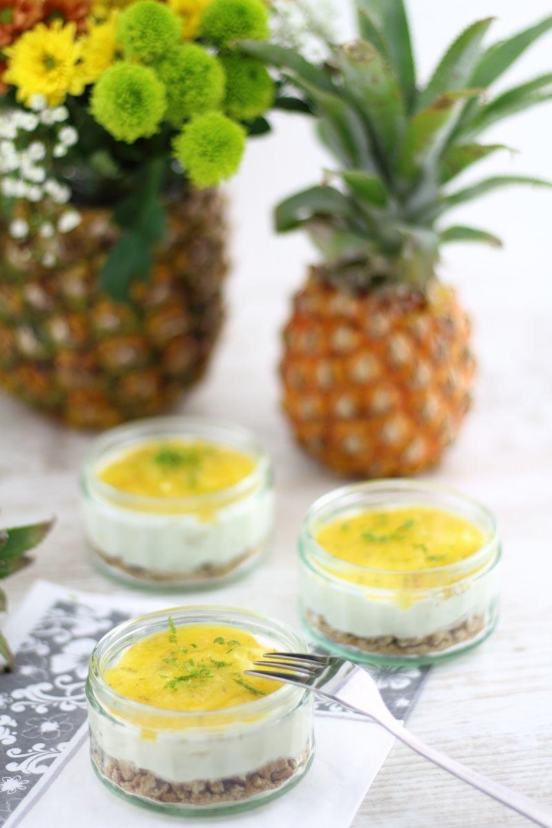 Rezept Sommerlicher Käsekuchen im Glas mit fruchtigem Ananas-Topping