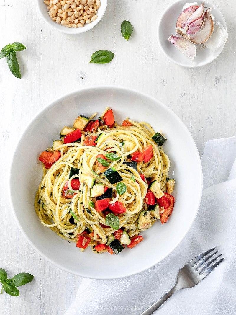 Rezept Sommerpasta mit Gemüse und Pesto
