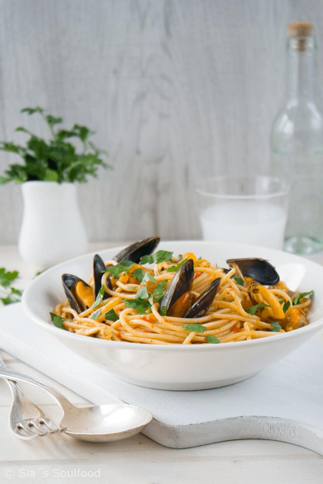 Rezept Spaghetti mit Miesmuscheln und Tomaten-Ouzo Sauce