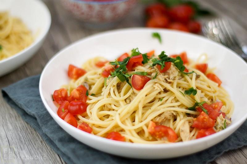 Rezept Spaghetti mit Thunfisch-Kapern-Oliven-Pesto