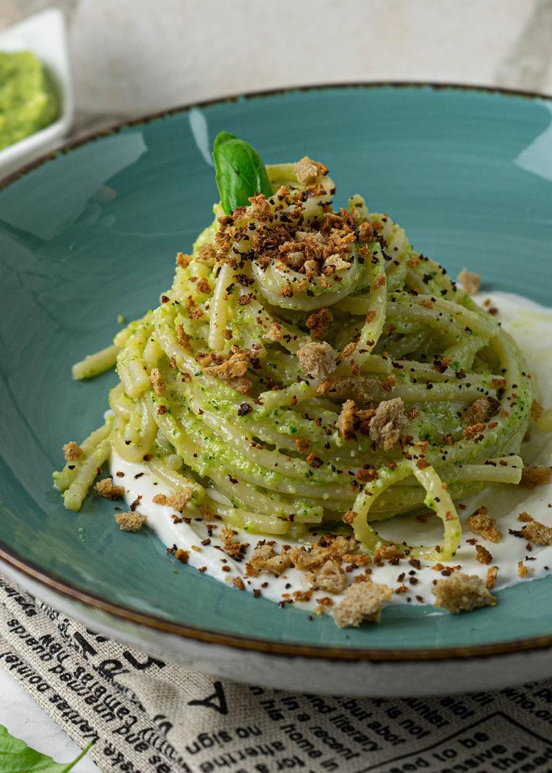 Rezept Spaghetti mit Zucchinipesto und Burrata Creme