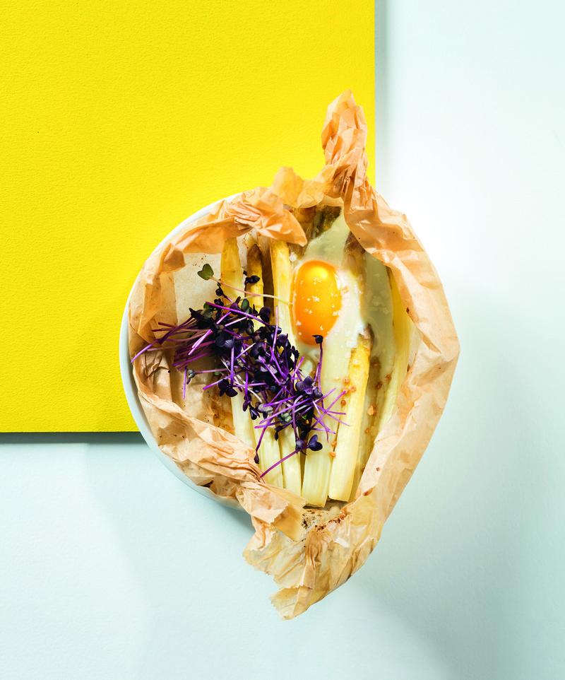 Rezept Spargel-Ei-Päckchen mit Haselnussbutter
