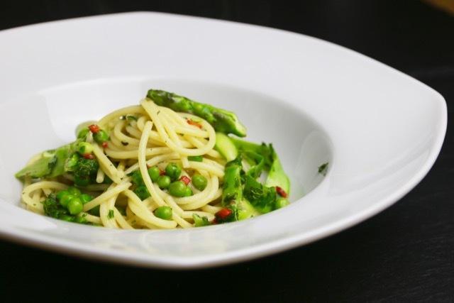 Rezept Spargel-Erbsen-Pasta mit Pecorino