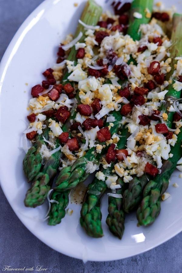 Rezept Spargel mit Pancetta und Ei