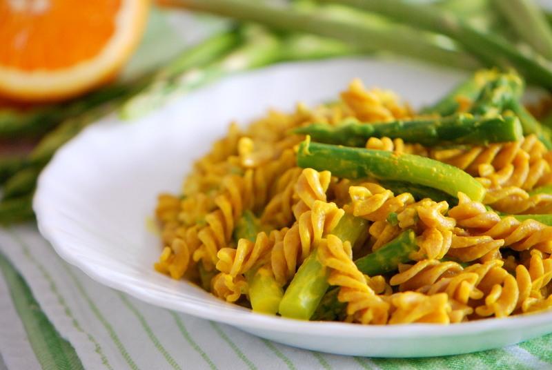 Rezept Spargel-Pasta-Pfanne mit cremiger Orangen-Sauce