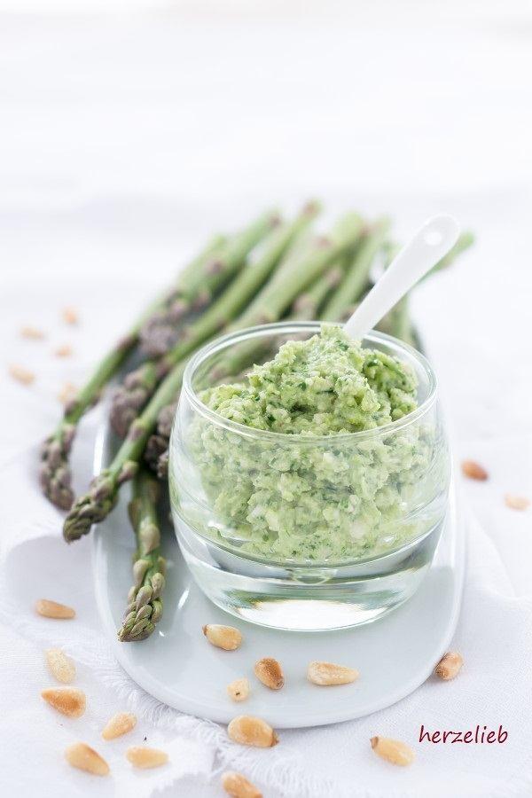 Rezept Spargel Pesto - nicht nur zu Nudeln grandios!