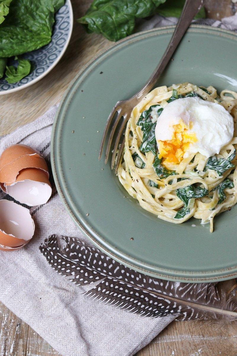 Rezept Spinat-Zitronen-Nudeln mit pochiertem Ei