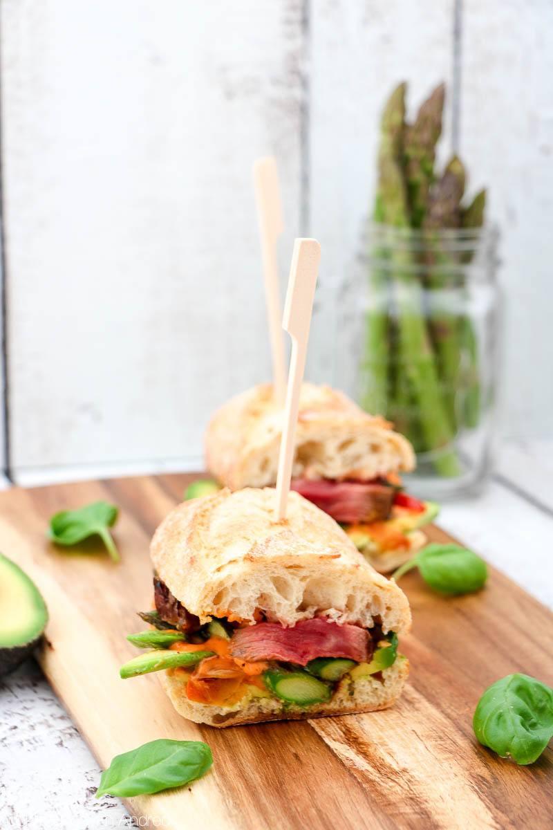Rezept Steaksandwich mit Spargel und Avocado