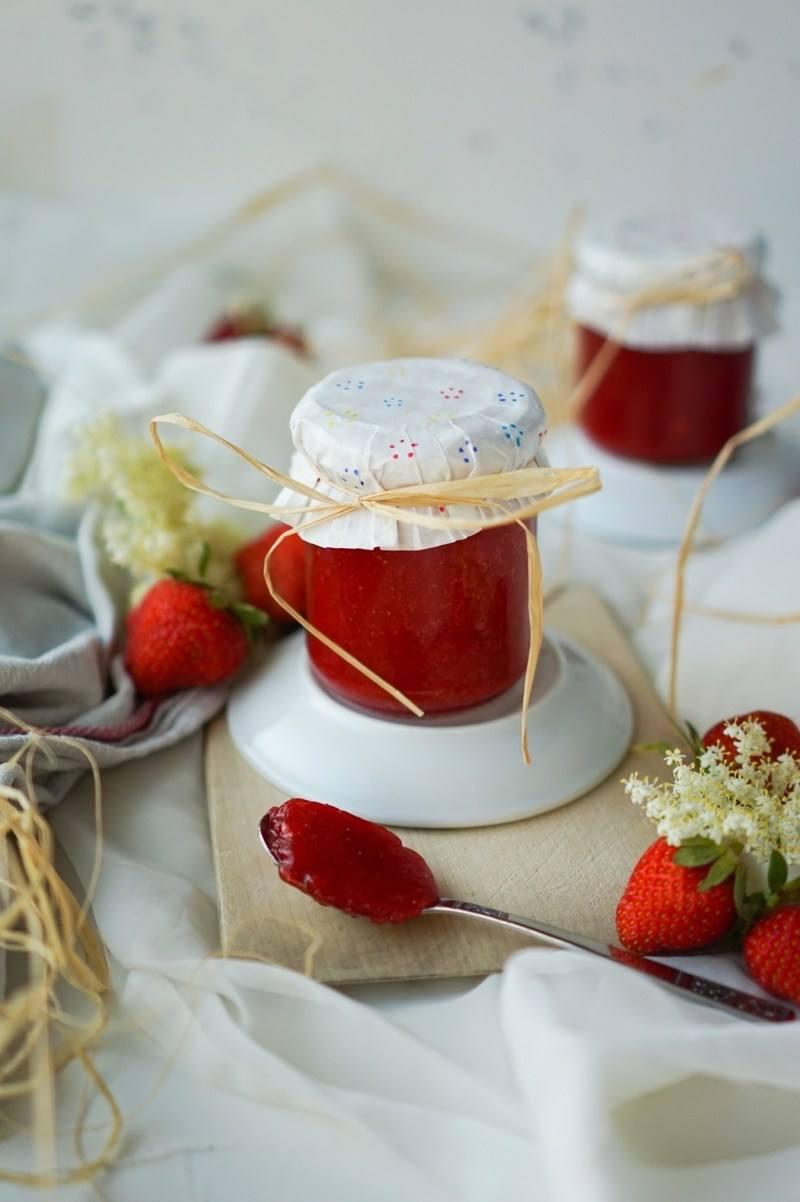Rezept Sternchenmarmelade {Erdbeere & Holunder}