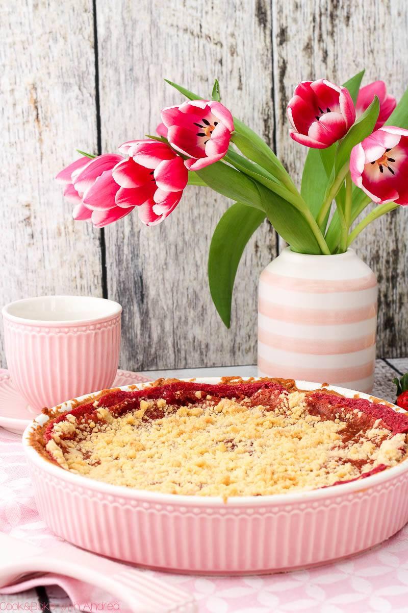 Rezept Streuselkuchen mit Rhabarber und Erdbeeren