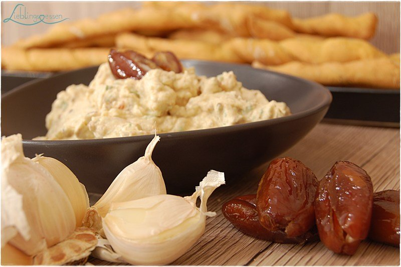 Rezept Sultans Freude - Dattel Dip mit knusprigen Brotstangen