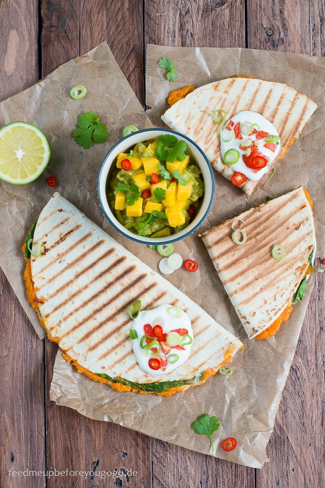 Rezept Süßkartoffel-Spinat-Quesadillas mit Mango-Koriander-Guacamole