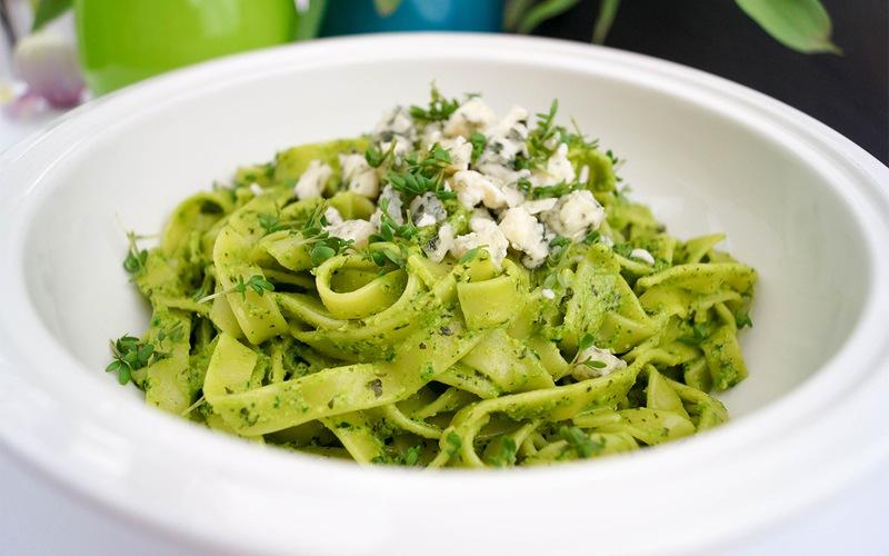 Rezept Tagliatelle mit Kürbiskernen und Spinat Pesto