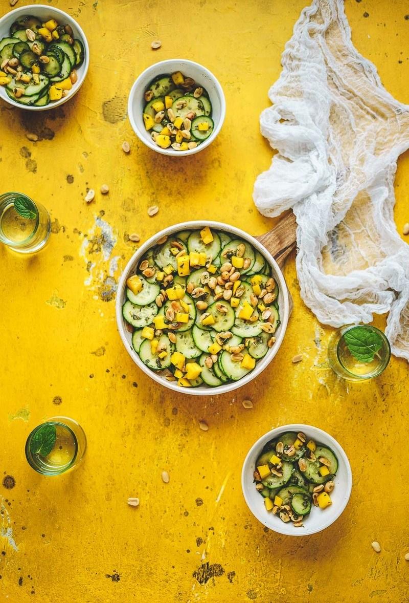 Rezept Thai-Gurkensalat mit Mango und Erdnüssen