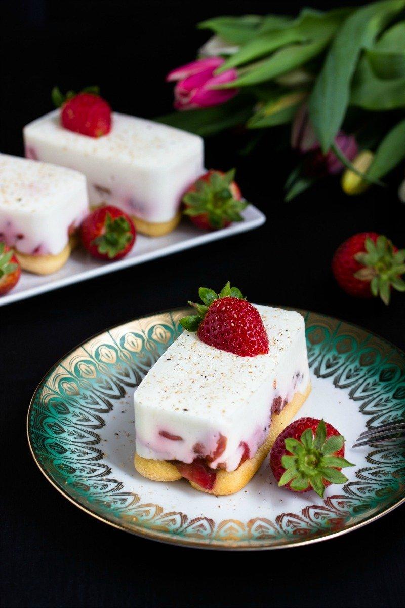 Rezept Tiramisu mit Balsamico-Erdbeeren, Skyr und Licor43