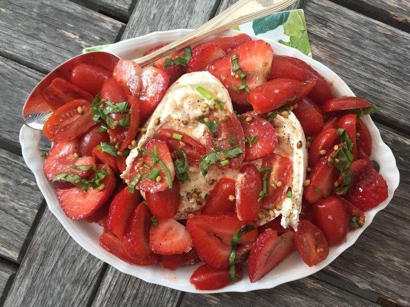 Rezept Tomaten-Erdbeersalat mit Burrata