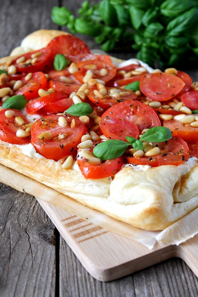 Rezept Tomaten-Ricotta-Tarte mit Pinienkernen