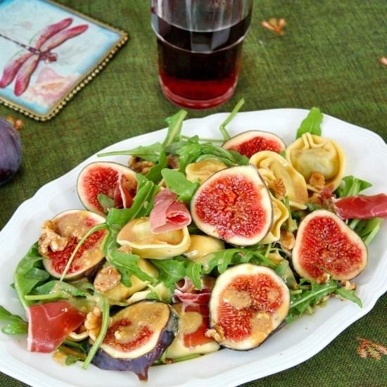Rezept Tortellini-Salat mit Feigen, Prosciutto und Walnüssen