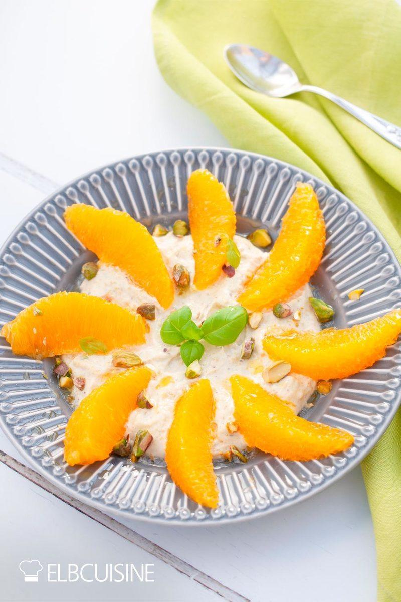 Rezept Traumhaftes Oster-Dessert – Orangenfilets mit Pistazien-Mascarpone-Creme mit Happy-Freebie zu Ostern