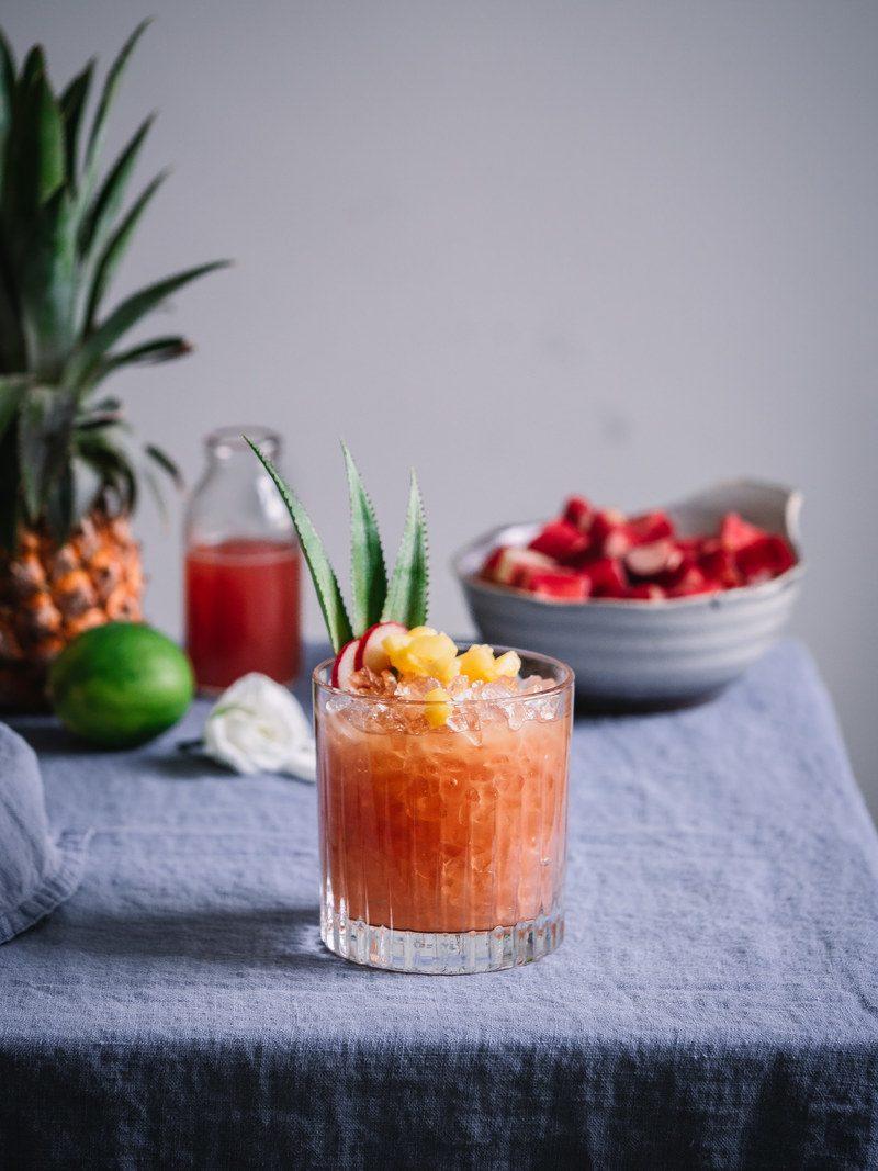 Rezept Tropischer Rhabarbersirup & Rum Cocktail