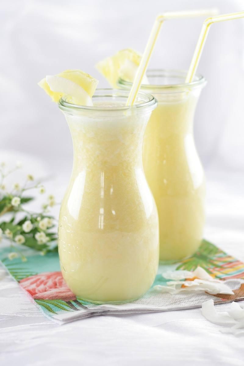 Rezept Tropisches Sommergetränk: Ananas-Kokos-Smoothie